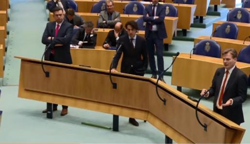 Bron: Youtube - Henk Politiek